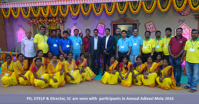 PD, OTELP & Director, SC are seen with participants in Annual Adivasi Mela 2016